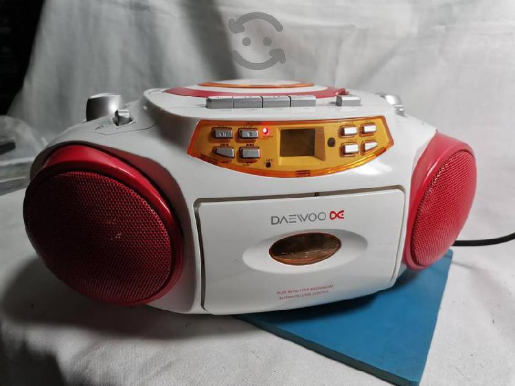 Radio am, fm, mp3, usb, cassettes y auxiliar