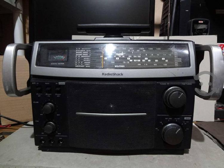 Radio shack,radio portatil am,fm,sw1,sw2,mod.cat 1
