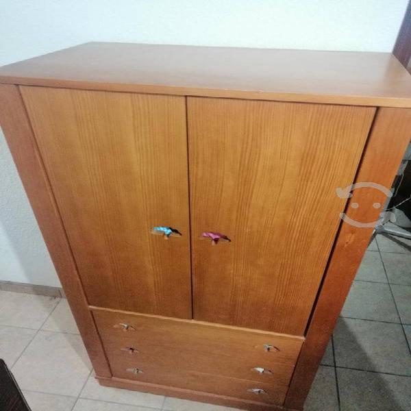 Closet de madera pará niño/niña