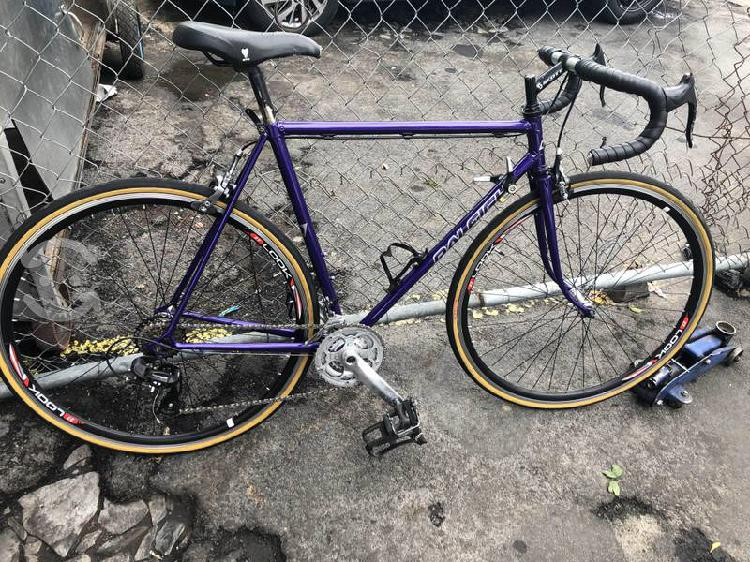 Bicicleta raleigh de ruta