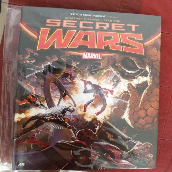Marvel comics secret wars. hardcover. pasta dura.