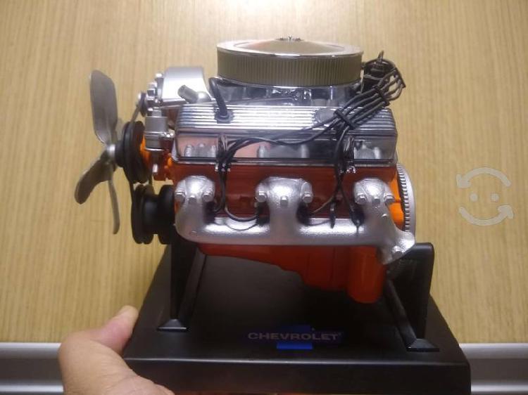 Motor chevrolet a escala