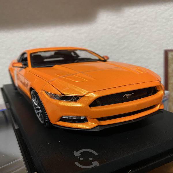 Mustang gt 2015 escala 1/18