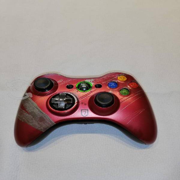 Vendo control de color rojo para xbox 360