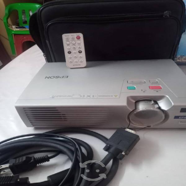 Proyector epson power lite 730c