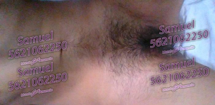 Hombre varonil con vagina joven y cachondo