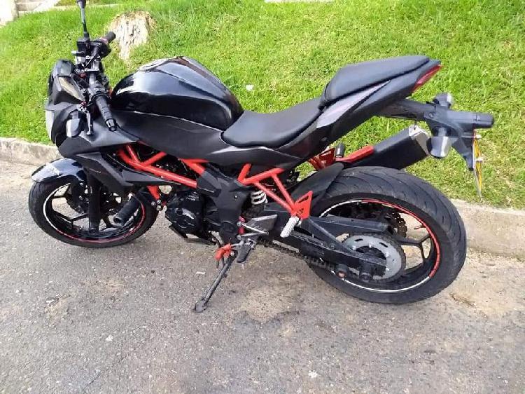 En venta hermosa moto kawasaki z 250 sl