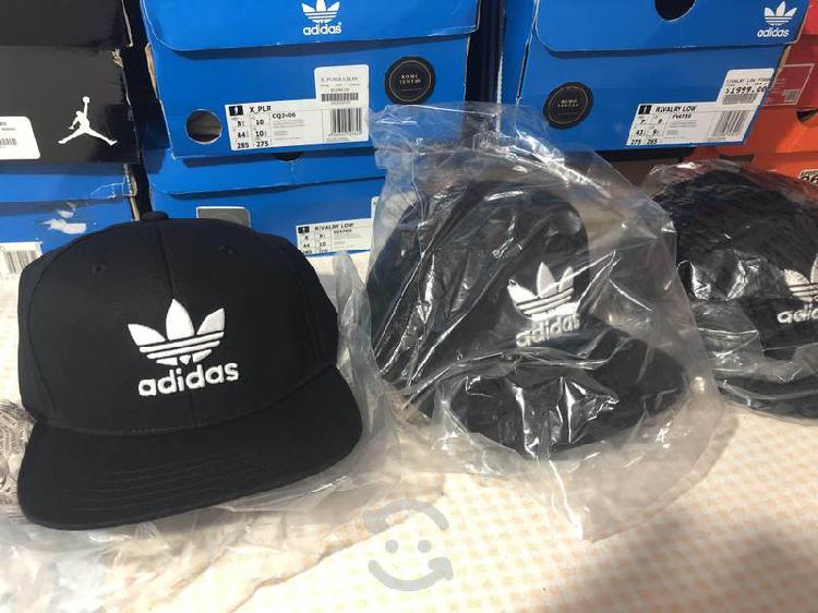 Gorras adidas originales nuevas