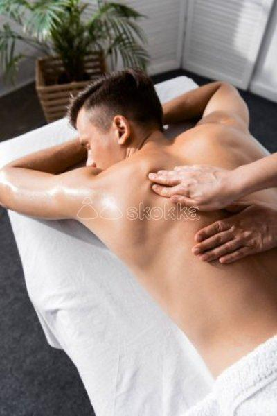 Masajes con final feliz, sexo oral, beso negro, desnudos