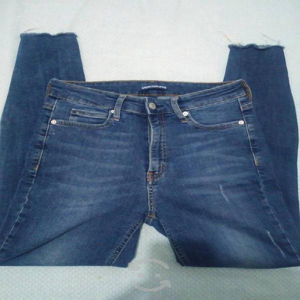 Pantalón skinny calvin klein talla 28-30