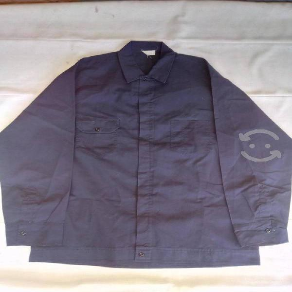 Uniformes para trabajo y porta trajes