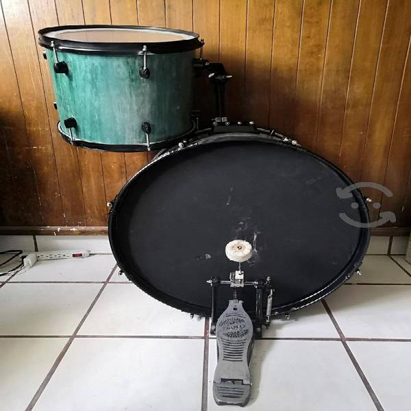 "Tom 13"" bombo 22"" y pedal mapex"