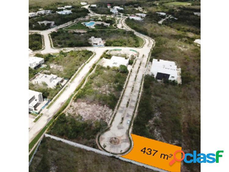 Terreno en venta en yucatan contry club privada oasis