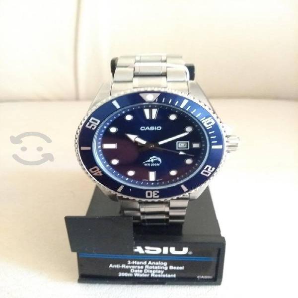 Reloj casio marlin azul brazalete de acero