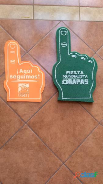 Manotas de hule espuma y fomi con logotipos