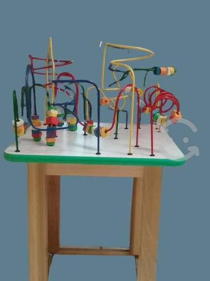 Laberintos mesa con juego didáctico