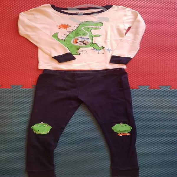 Lote 4 pijamas carters talla 3 años para niño