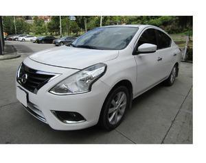 Nissan versa 2015, manual, 1.6 litres