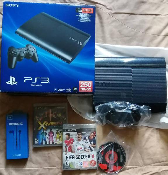 Playstation 3 súper slim como nuevo