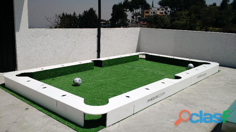 Mesa de futbol gigante