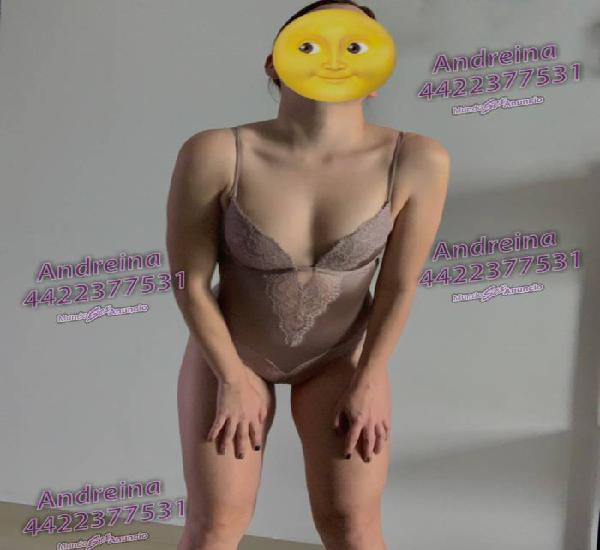 Andreina de pechos pequeños, nalga bonita y piel tersa