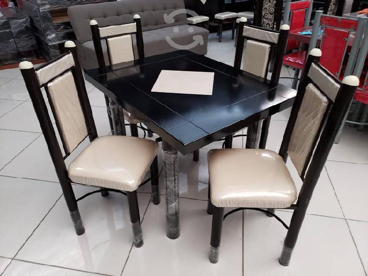 Comedor economíco de 4 sillas color hueso