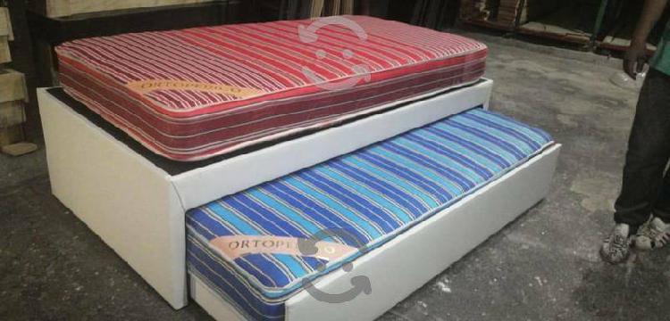 Cama doble tapizada en tactopiel