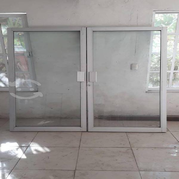 Puerta de aluminio para negocio