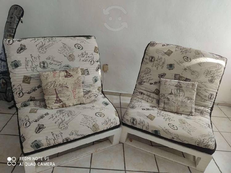Sala de dos sillones para cuatro personas, caben c