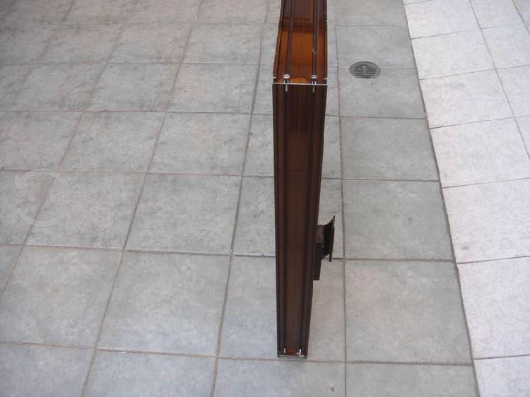 Ventana de aluminio color bronce