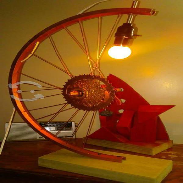 Articulos vintage, lamparas, esculturas abstractas