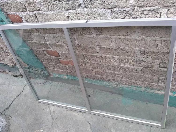 Ventana de 1x1.35 nueva de aluminio