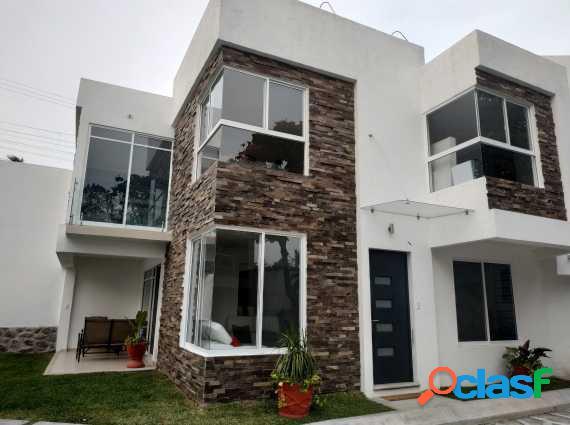 Condominio de 8 casas