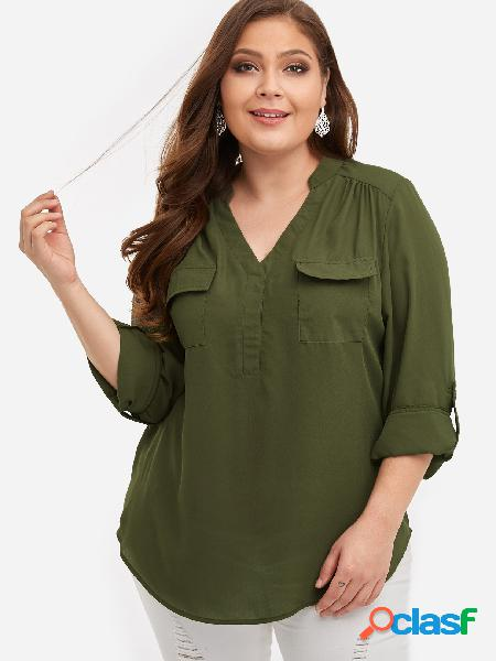 Blusa con diseño de bolsillo verde militar de talla grande