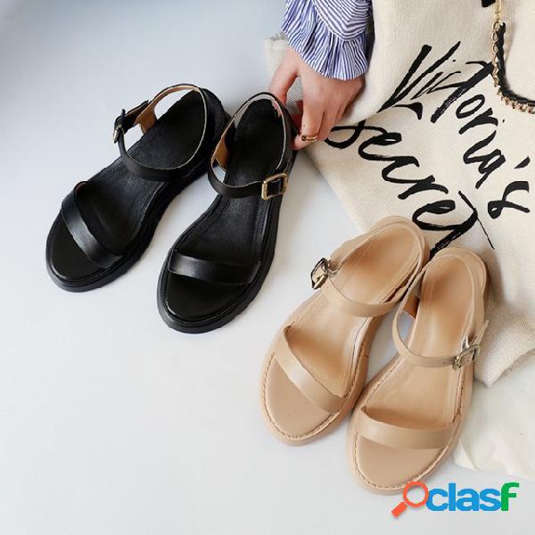 Palabra simple de estilo romano con mujer sandalias zapatos de cuero con punta abierta puerto taste flat cinturón zapatos de cuña con plataforma con hebilla