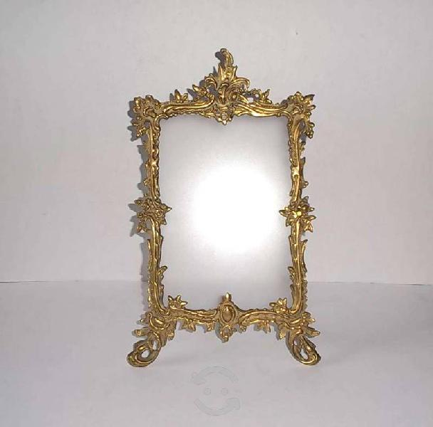 Antiguo marco de bronce labrado foto o espejo 40s