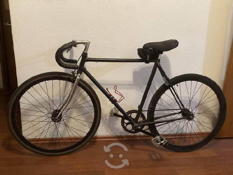 Bicicleta urbana fixie flip flop de ruta