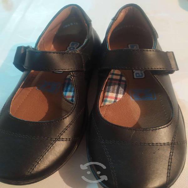 Lindos zapatos para niña talla 19 marca coqueta se
