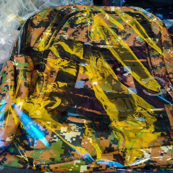 Mochilas nuevas tipo militar (mochila grande).