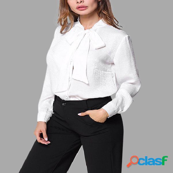 Camisa blanca de manga larga de cuello clásico sin tirantes blanca