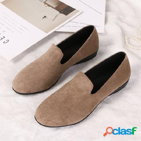 Nuevos zapatos de mujer de color sólido de gran tamaño de europa y américa con pelucas de cabeza redonda marea guisantes zapatos individuales para mujeres
