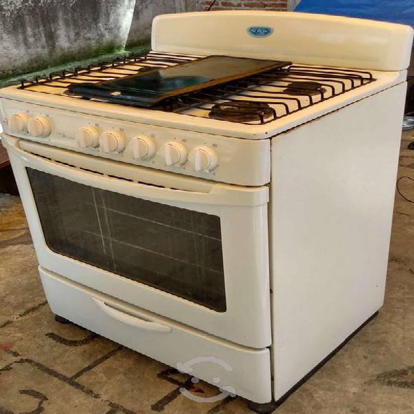 Estufa y refrigerador acros