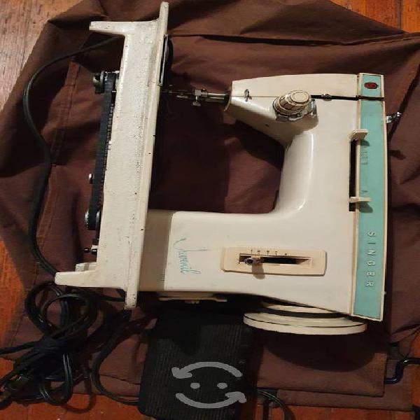 Maquina de coser singer 242r