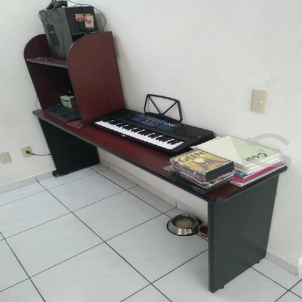 Mesa de color caoba p/ hogar u oficina 1,80x75x40