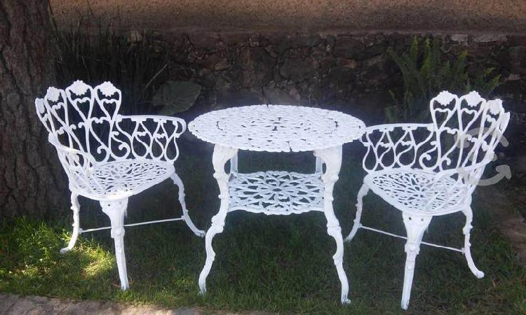 Mesa de jardín para dos personas
