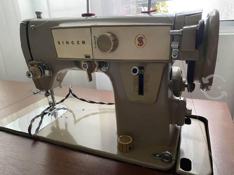 Máquina de coser singer zog zag con mueble antiguo
