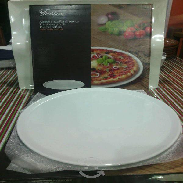 Platos de cerámica para pizza.
