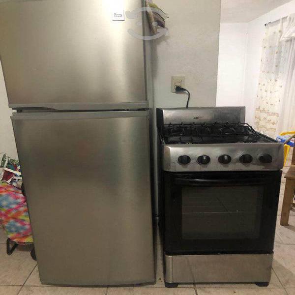 Paquete de refrigerador y estufa acros