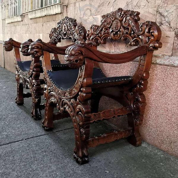 Par de sillones labrado antiguos colonial español