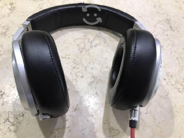 Audífonos beats pro